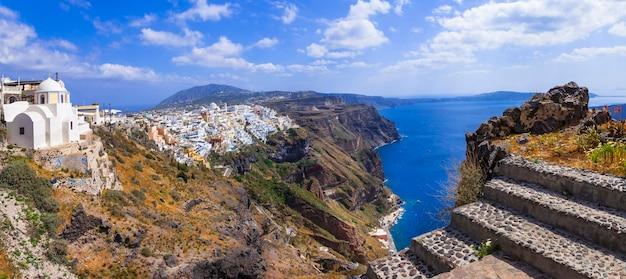サントリーニ島フィラ村のパノラマ。ギリシャ