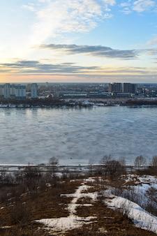 Панорама нижнего новгорода на закате
