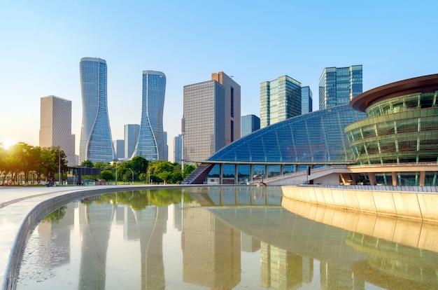 도시 광장 및 현대 건축, 항 주, 중국의 파노라마.