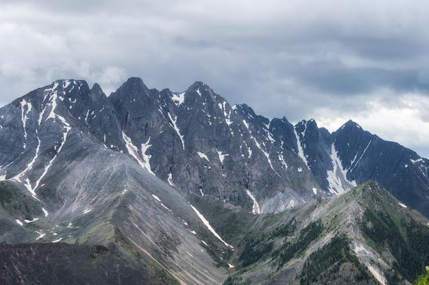 산 능선 tunkinsky goltsy 시베리아의 파노라마