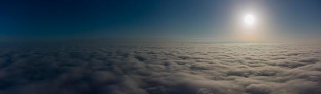 구름 위의 하늘 파노라마