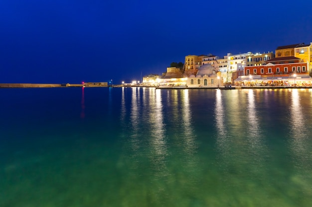 Панорама старой гавани, ханья, крит, греция