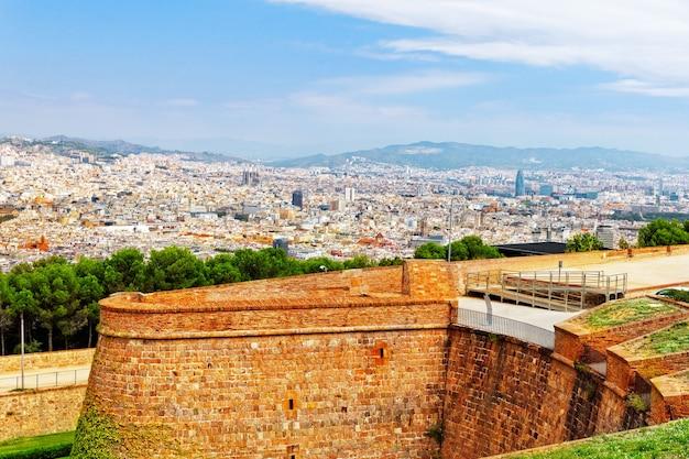 モンジュイック城からのバルセロナ市のパノラマ。カタルーニャ。スペイン。