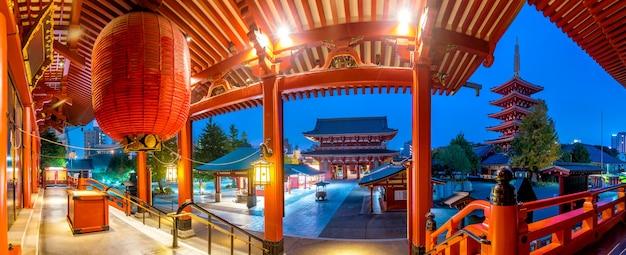 東京、浅草の浅草寺のパノラマショット。