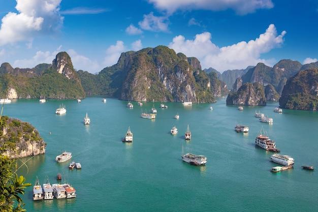 ベトナム、ハロン湾のパノラマ空撮
