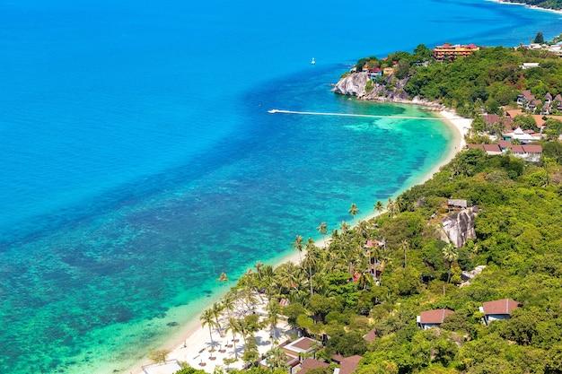 Панорамный вид с воздуха на остров ко панган, таиланд