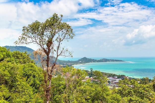 Панорамный вид с воздуха на остров самуи в таиланде
