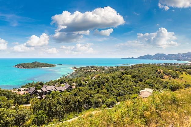 Панорамный вид с воздуха на остров самуи
