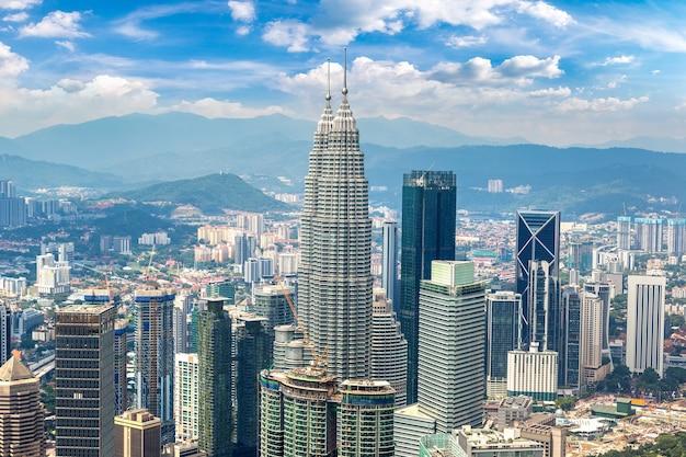 Панорамный вид с воздуха на куала-лумпур, малайзия