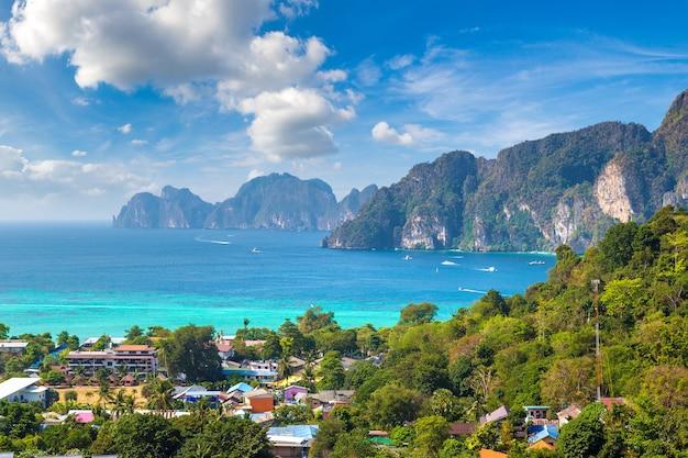 Панорамный вид с воздуха на остров пхи-пхи-дон, таиланд