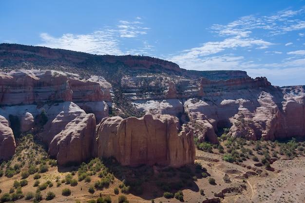 フェニックス、スコッツデール、アリゾナ州、米国の砂漠のキャニオン山のパノラマ空撮