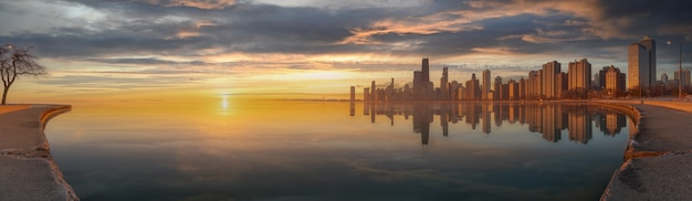 파노라마 시카고 스카이 라인 풍경 밤과 푸른 하늘에 구름, 시카고, 미국 상태.