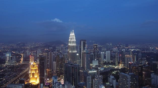 Панорамный ночной вид куала-лумпур малайзия азия изображение идеально подходит для фона тонированное изображение