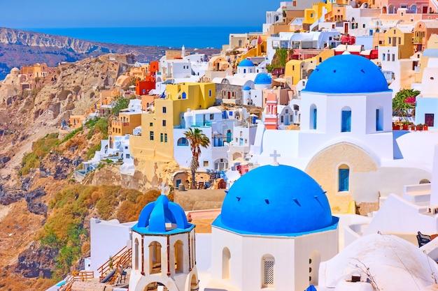 그리스 산토리니(santorini)에 있는 이아(oia) 마을의 탁 트인 전망 - 그리스 풍경