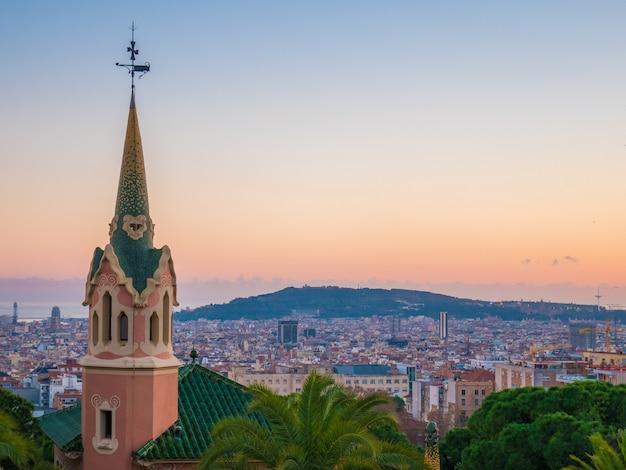 高角度からのバルセロナ市のパノラマビュー