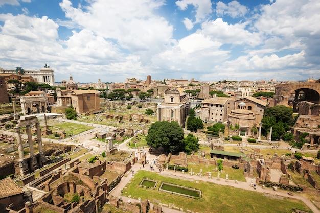 로마 카이사르 포럼의 전경