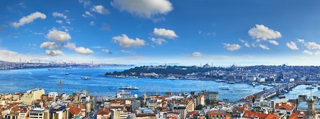 Панорамный вид на золотой рог с башни галата в стамбуле