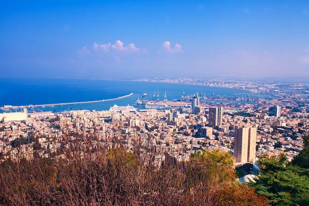 Панорамный вид на город хайфа, израиль