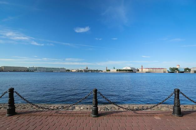 サンクトペテルブルクとネヴァ川のパノラマビュー