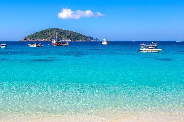 Панорамный вид на симиланские острова, таиланд