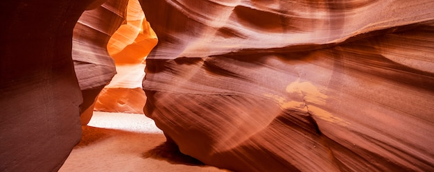 有名なアンテロープキャニオン、ページ、アリゾナ、米国のパノラマビュー