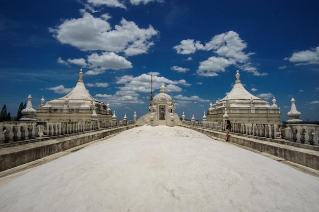 ニカラグア、レオン大聖堂の屋根のパノラマビュー