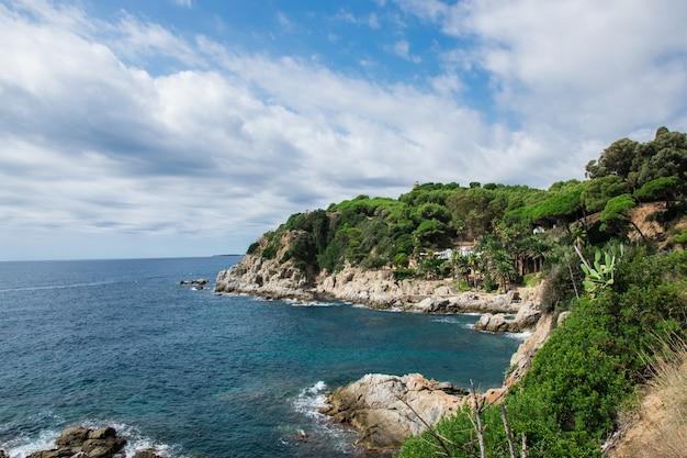 海と島のパノラマビュー。