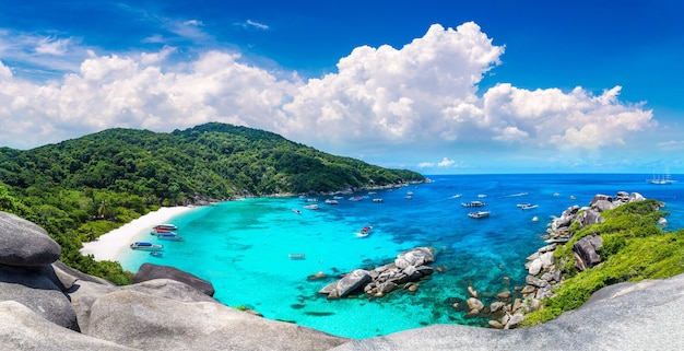 Панорамный вид на тропические симиланские острова, таиланд