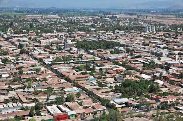 チリロスアンデス市のパノラマビュー