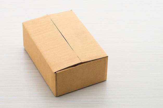 나무 배경 종이 상자