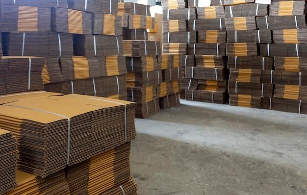 물류 산업 스토어 하우스 배경에서 종이 상자 포장 텍스처