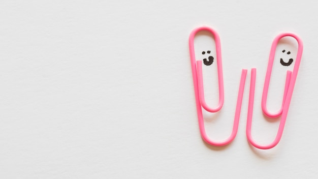 Paper clips with draw faces