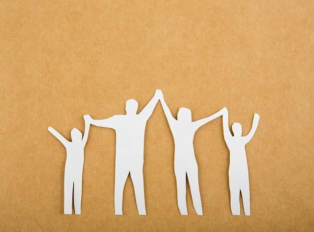 Бумаги вырезать семьи