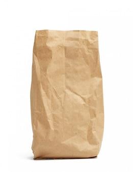 고립 된 갈색 크 라프 트 종이의 종이 일회용 가방