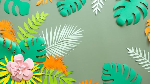 Бумажный цветок и листья