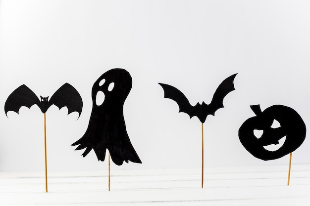 Paper halloween decorations put in desk