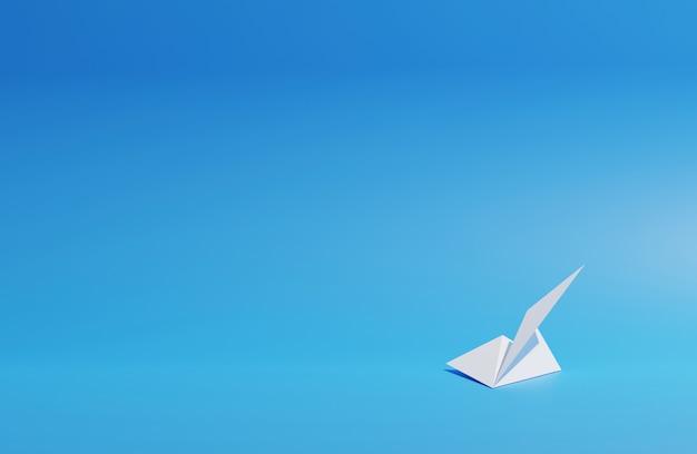 Бумажный самолетик на синем фоне