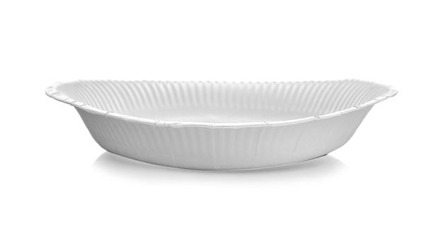 흰색 배경에 고립 된 종이 접시