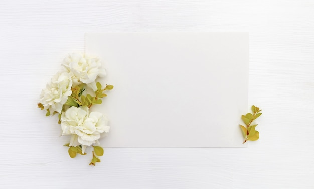 Paper with white flowers