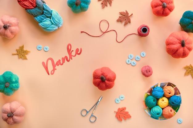 Бумажное слово danke на немецком языке означает «спасибо».
