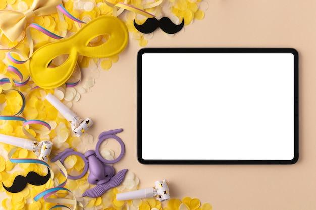 퍼레이드 마스크 및 액세서리 디지털 태블릿 복사 공간