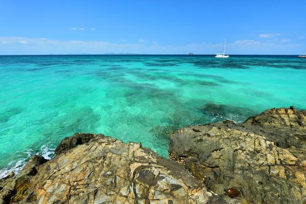 タイ、プーケットのプライベートビーチ島、マイトン島のパラダイスビーチ