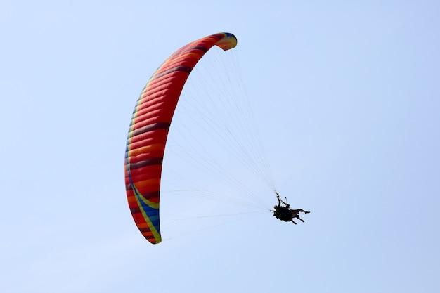 하늘에 날개에 비행 패러 글라이더