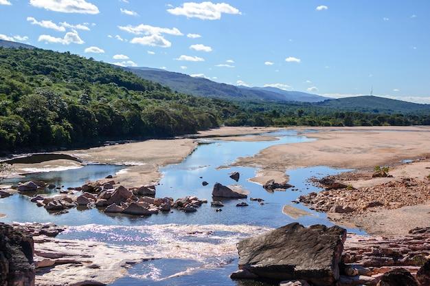 チャパダディアマンティーナ国立公園レンソイスバイーア州ブラジルのパラグァスー川