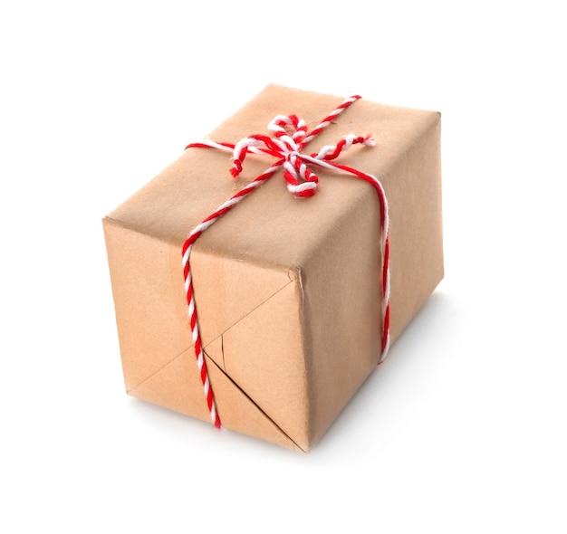 흰색 바탕에 소포 선물 상자
