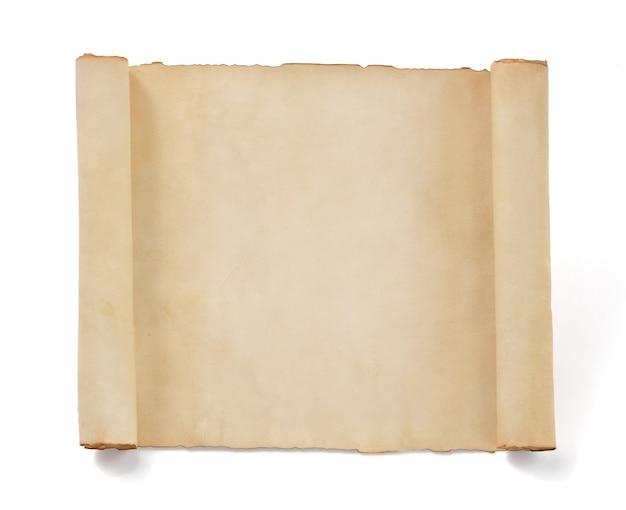 白として分離された羊皮紙の巻物 Premium写真