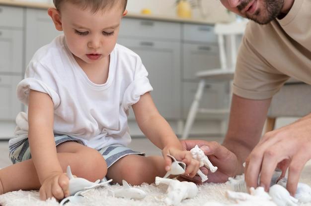 親が子供と充実した時間を過ごす