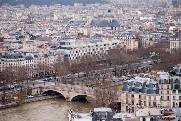 パリの空撮とフランスのセーヌ川