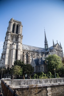 Paris, france - october 16, 2018: roman catholic cathedral notre dame de paris (1345)