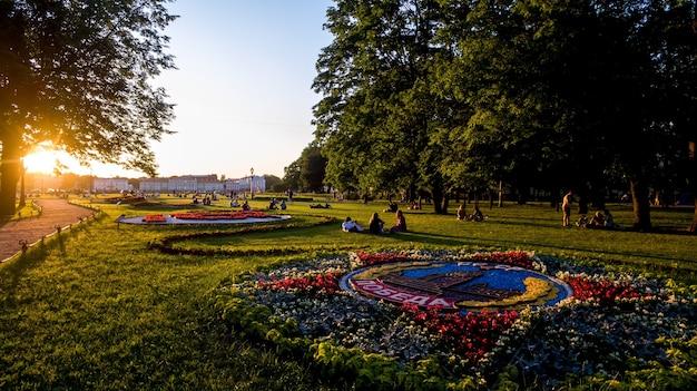 성 이삭 대성당과 청동 기병의 일몰 공원